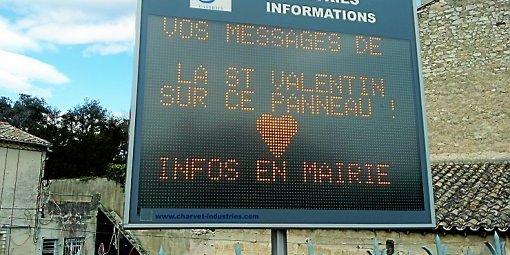 Saint Valentin : vos messages d'amour sur panneaux lumineux !