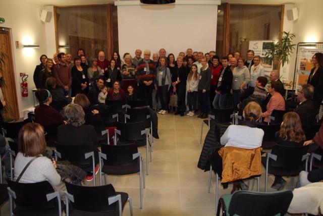 Les photographes de la Sorgue réunis  pour la cérémonie de remise des prix du concours photo  « Votre Sorgue au quotidien »