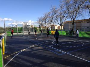 Le terrain multisports déjà utilisé par les jeunes entraiguois