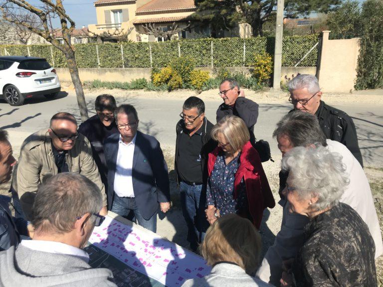 Réunion de quartier avenue Jean Moulin pour l'aménagement d'une voie piétonne