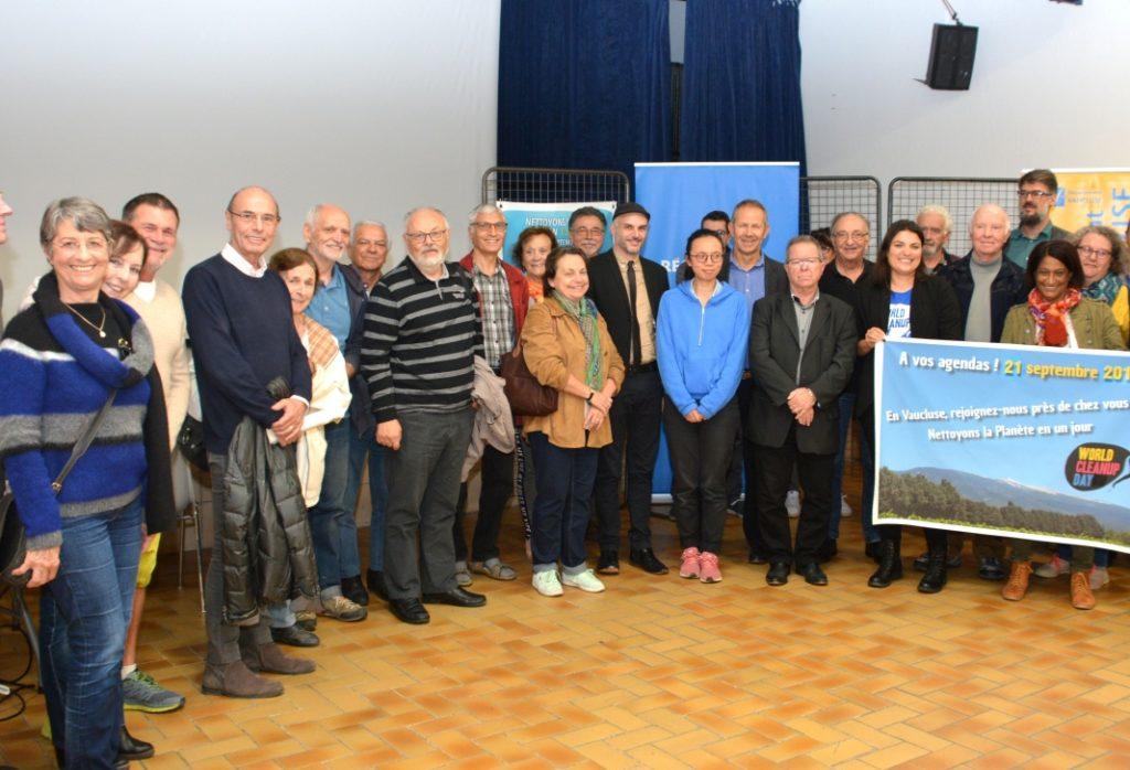 photo des invités du bilan du Clean Up world day