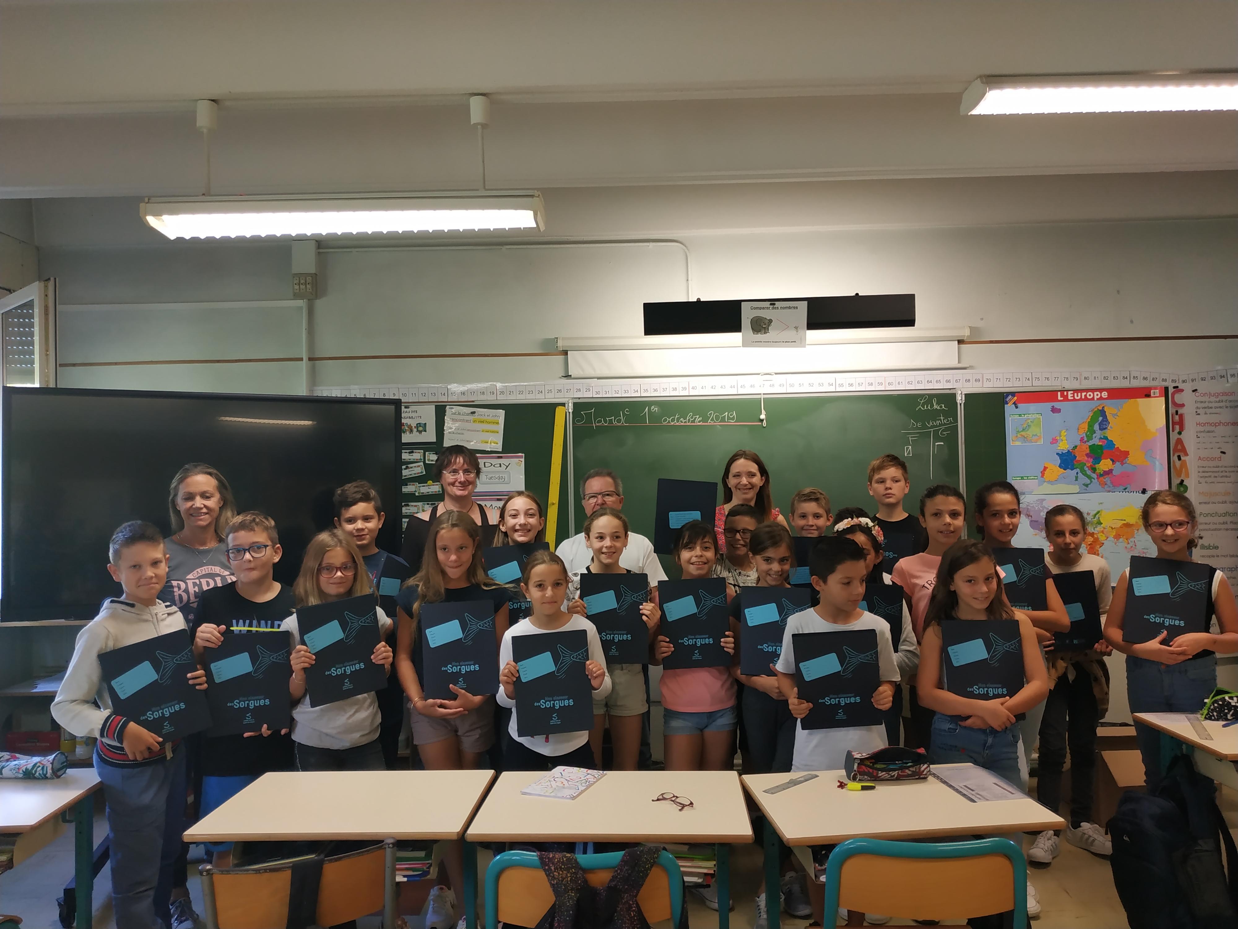 Le classeur des Sorgues pour les élèves de la classe de CM2 de madame Coullier