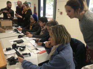 La commune dote les établissements scolaires de talkie-walkies nouvelle génération  pour faire face à un accident majeur