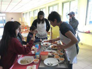 Découverte de la carotte pour les enfants du restaurant scolaire