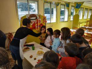 Découverte des fruits exotiques au restaurant scolaire