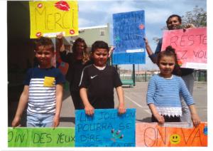 Covid-19 : les enfants du personnel soignant se mobilisent