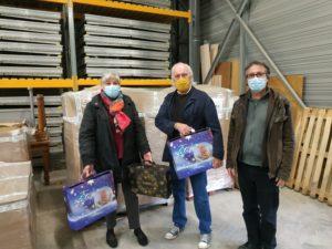 890 colis de Noël seront distribués aux seniors par les élus et les membres du CCAS
